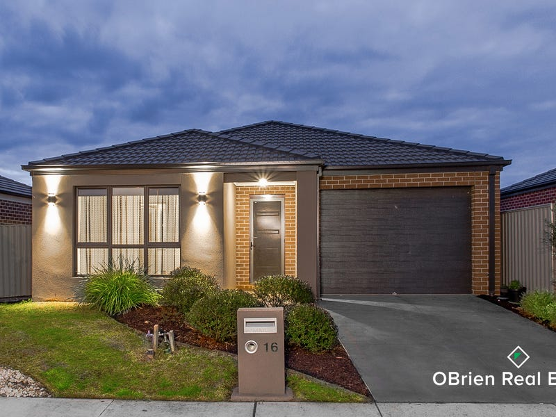 16 Scullin Street, Cranbourne East, Vic 3977
