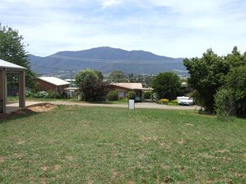 24 Young Crescent, Tawonga South, Vic 3698