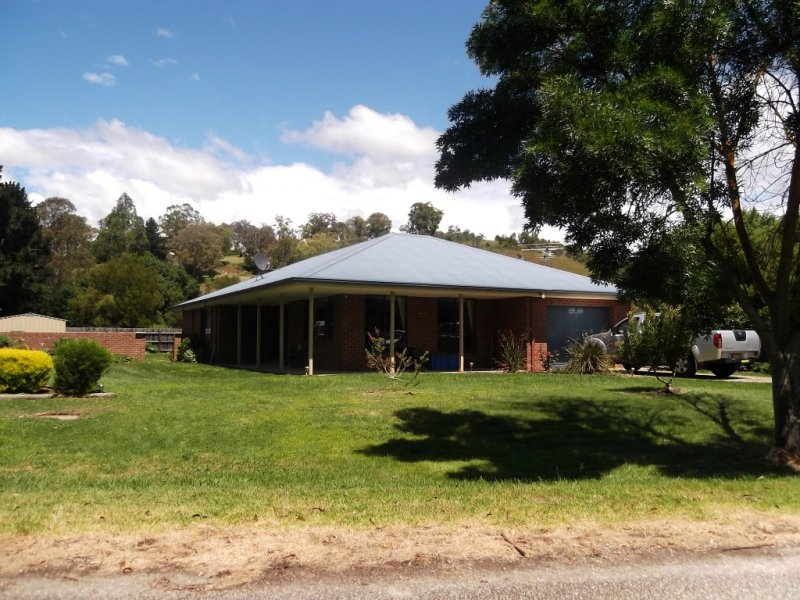 1 Saleyard Road, Buchan, Vic 3885