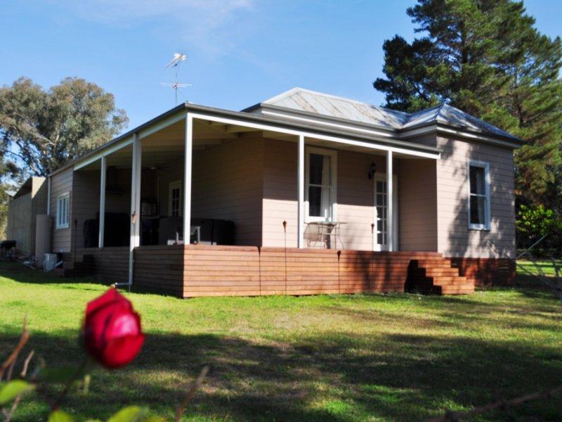 63 Charles Street, Gerogery, NSW 2642
