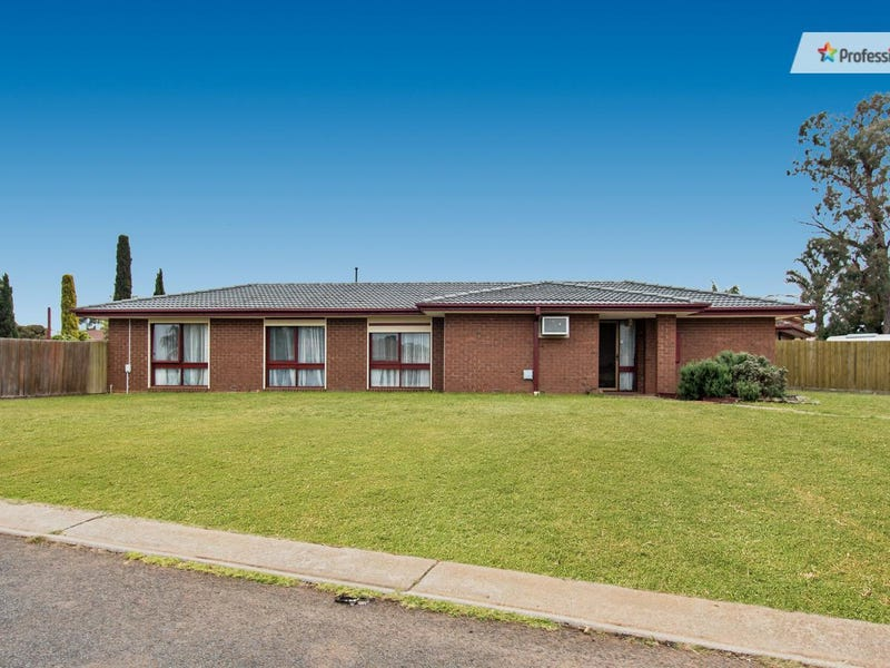 62 Chelmsford Way, Melton West, Vic 3337