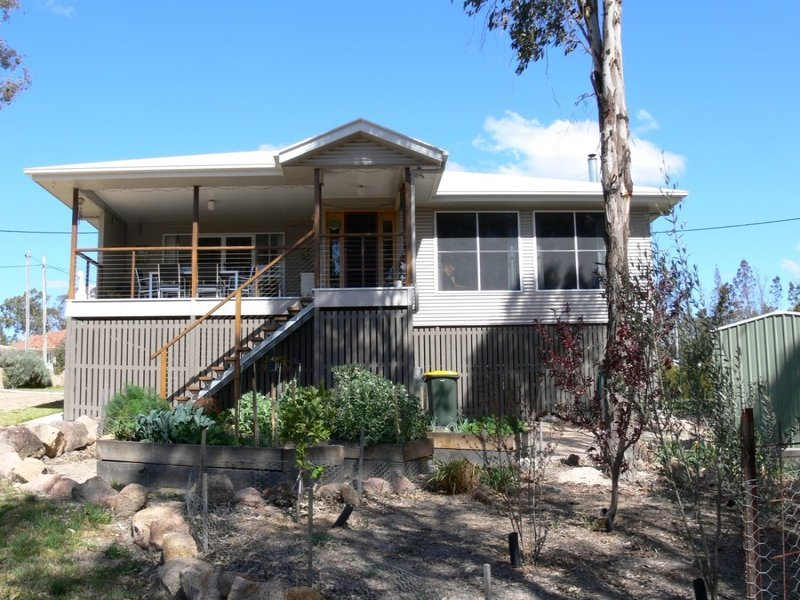 20 Cummerford Road, Glen Aplin, Qld 4381