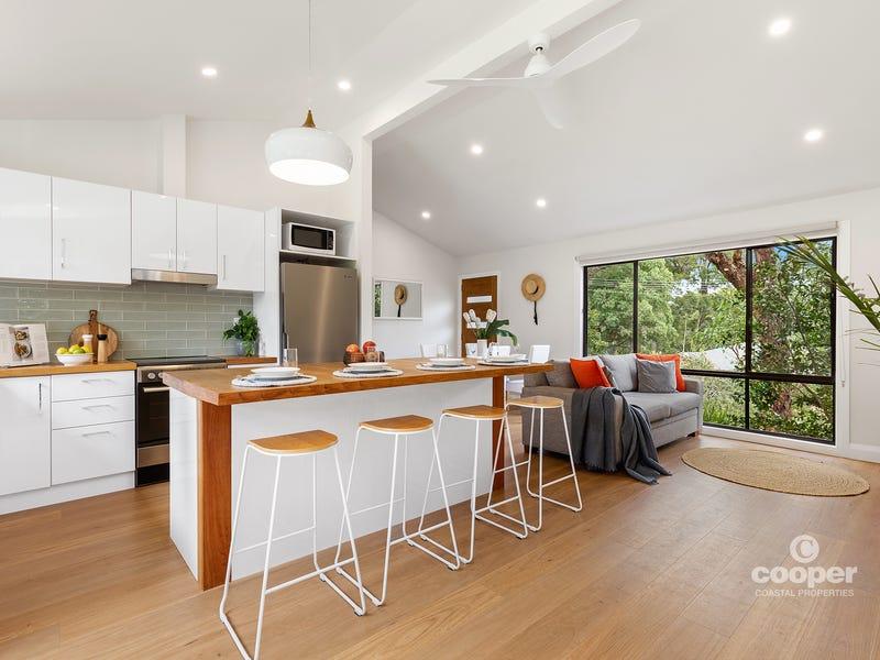 4 Bushland Avenue, Mollymook, NSW 2539