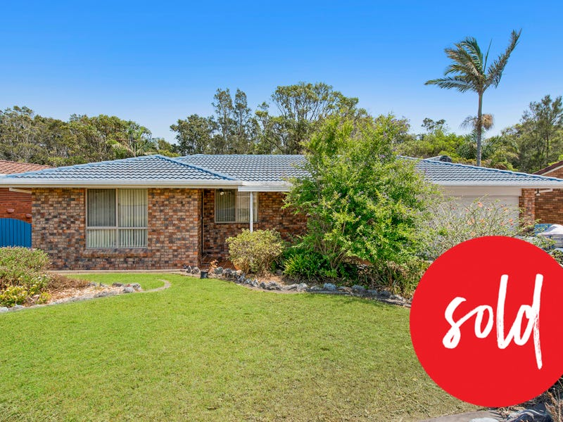 9 Fiona Crescent, Lake Cathie, NSW 2445