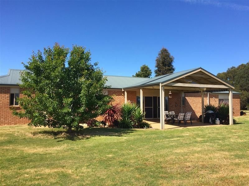 40 Fernbank Lindenow South Road, Lindenow South, Vic 3875
