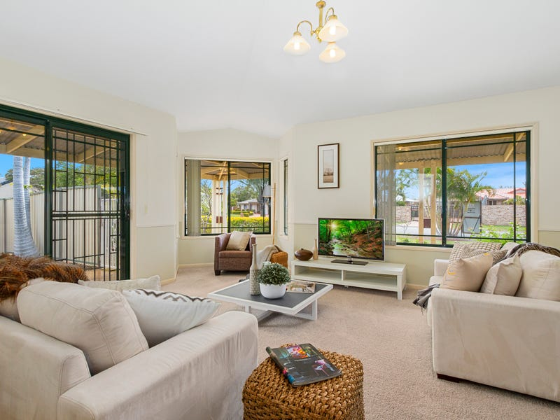 7 Lakeshore Drive, Helensvale, Qld 4212