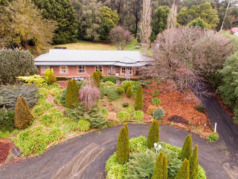 19 View Hill Road, Cockatoo, Vic 3781