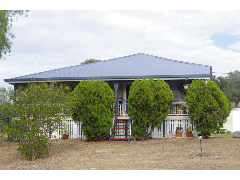 166 Mt Sylvia Road, Upper Tenthill, Qld 4343