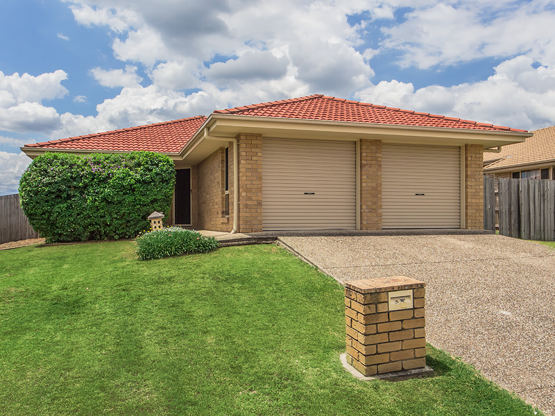 54 BANKSIA DRIVE, Raceview, Qld 4305