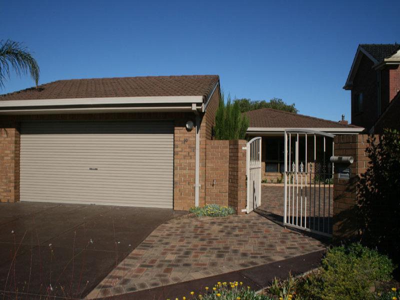 10 McDonald Grove, West Lakes, SA 5021