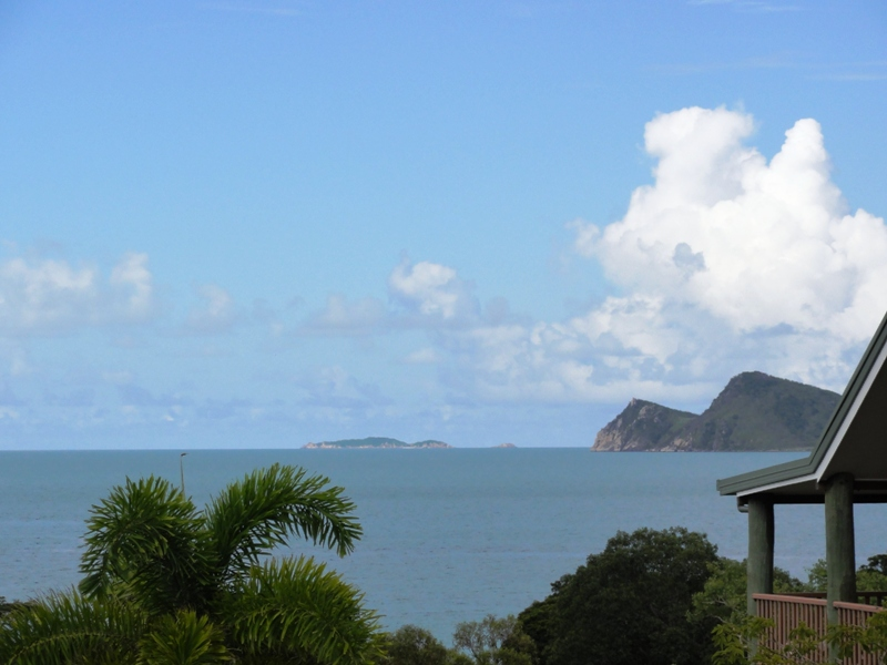 14 Roseric Crescent, Hideaway Bay, Qld 4800