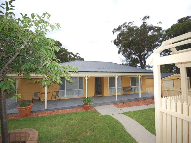 1 Warrigal Street, Willow Vale, NSW 2575