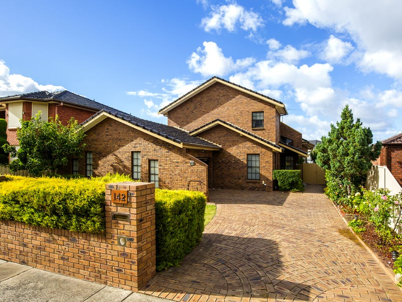 142 Templewood Crescent, Avondale Heights, Vic 3034
