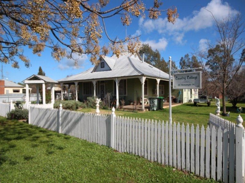 38 Menangle Street, Ganmain, NSW 2702
