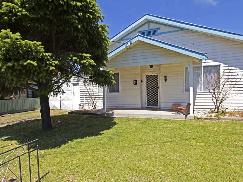 4 Myrtle Grove, North Shore, Vic 3214
