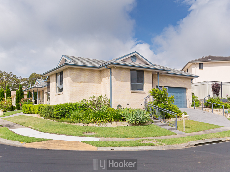 1 Laurina Cove, Valentine, NSW 2280