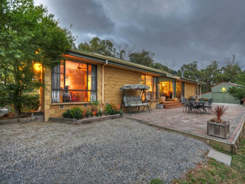 13 FORDS ROAD, Gruyere, Vic 3770