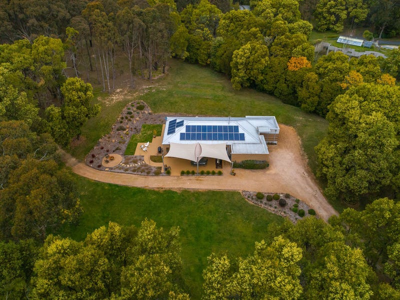 27 Royle Court, Woodend, Vic 3442