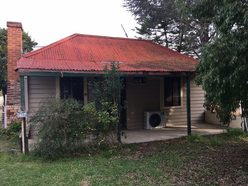 13 Vaux Lane, Cowra, NSW 2794