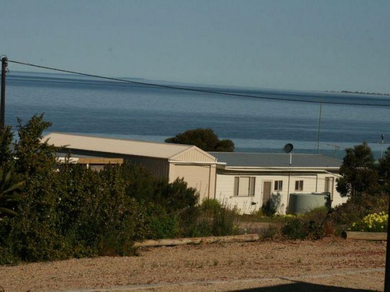 2 Chapman Road, Rogues Point, SA 5571