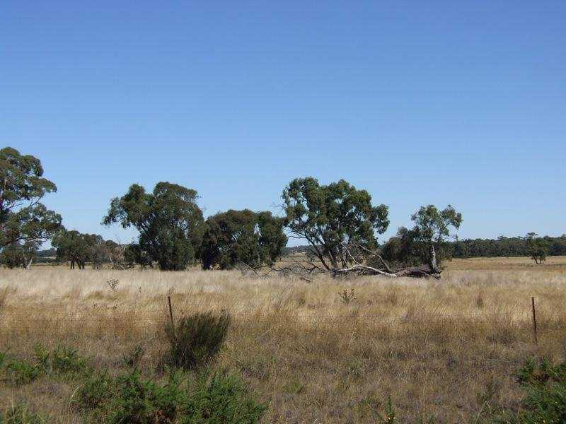 Lacey Road and Black Road, Ross Creek, Vic 3351