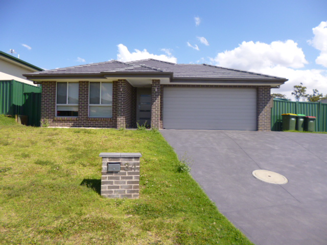 34 Chivers Circuit, Muswellbrook, NSW 2333