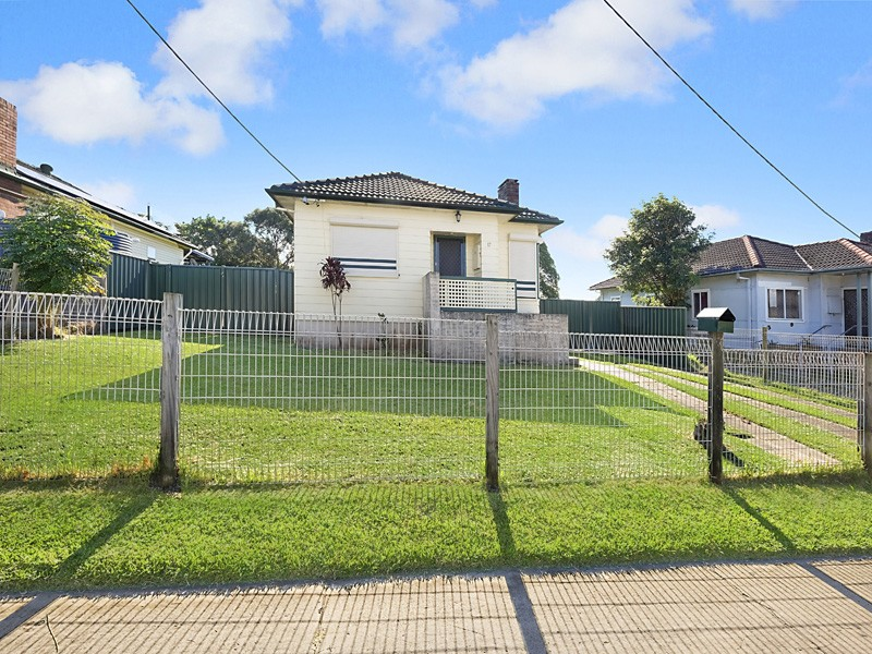 17 Lake Street, Windale, NSW 2306
