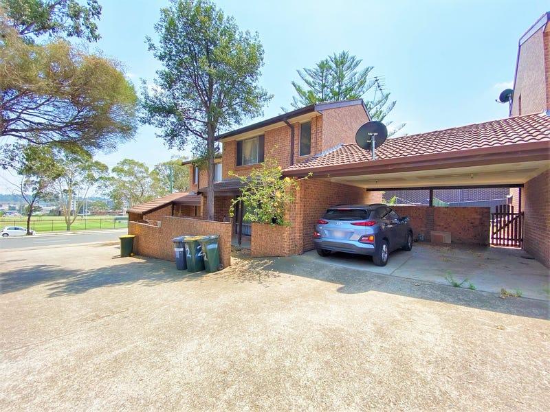 2/22 Moore Street, Campbelltown, NSW 2560