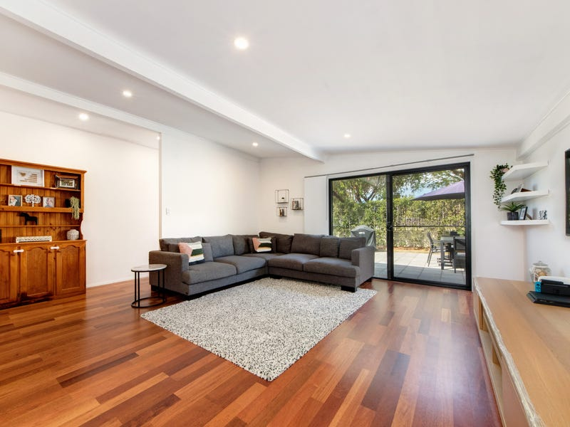 11 Larwon Terrace, Southport, Qld 4215