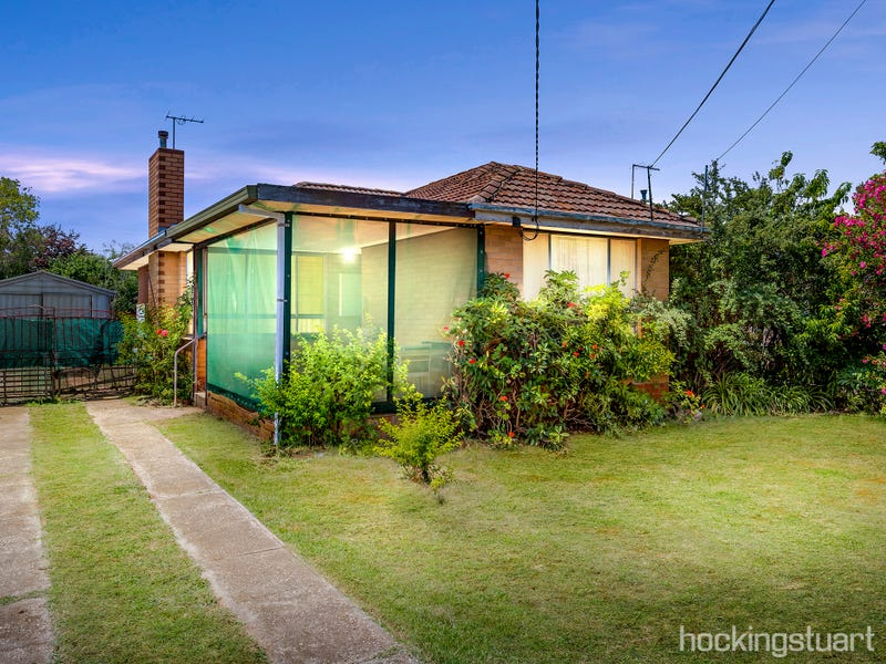 42 Falcon Drive, Melton, Vic 3337
