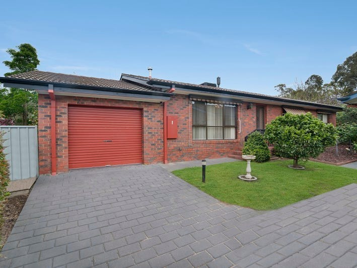 1/2 Roslyn Court, Kennington, Vic 3550
