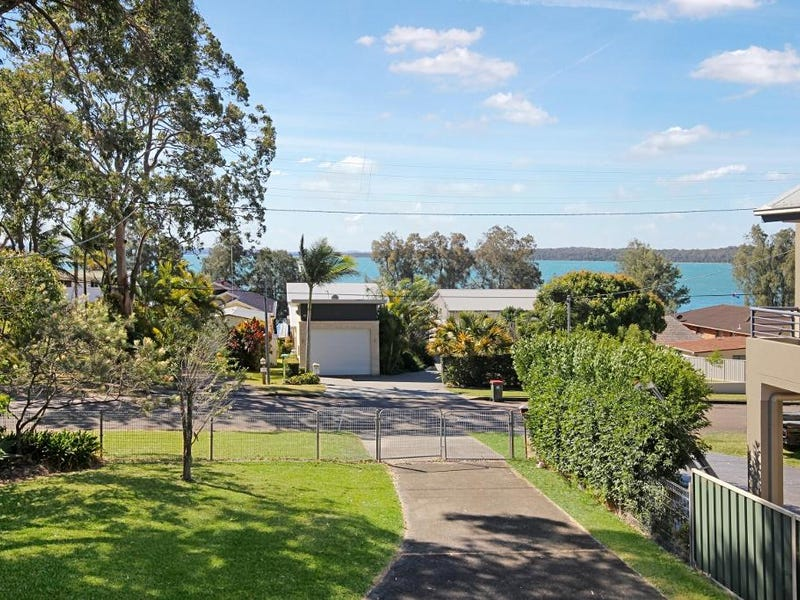 1 Bambury Avenue, Summerland Point, NSW 2259