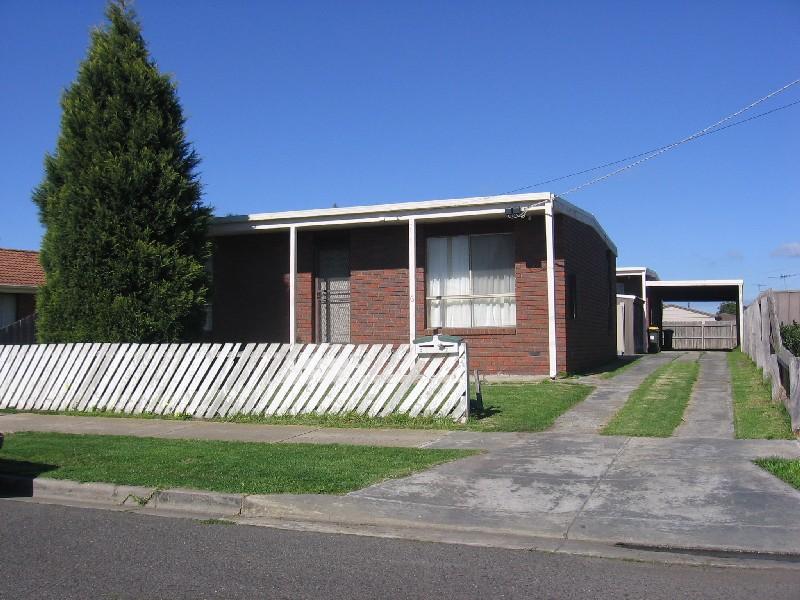 2/6 Conrad Court, Whittington