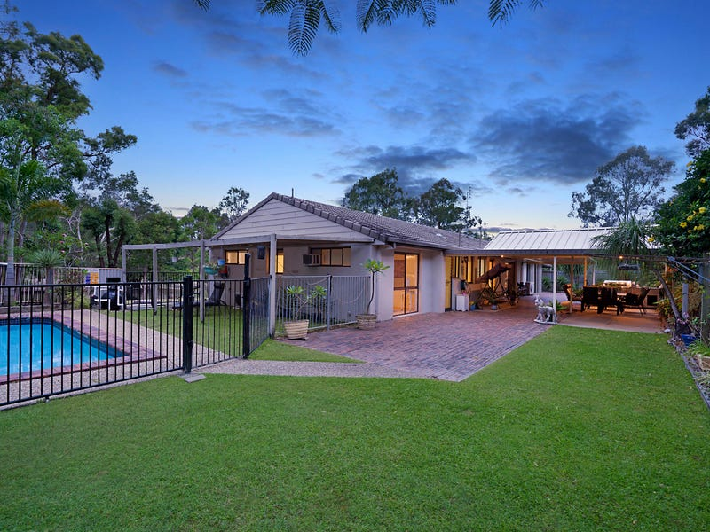 40 Woodlands Way, Parkwood, Qld 4214