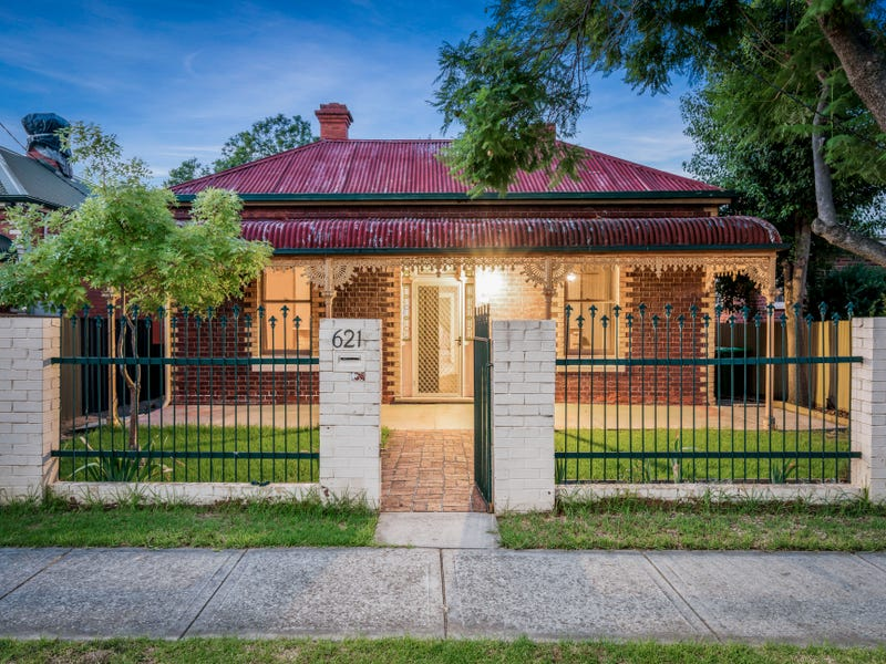 Real Estate & Property for Sale in Wodonga Pl, Albury, NSW