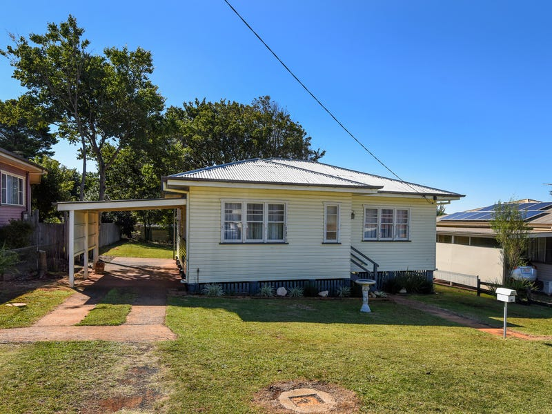 17 Norah Street, Centenary Heights, Qld 4350