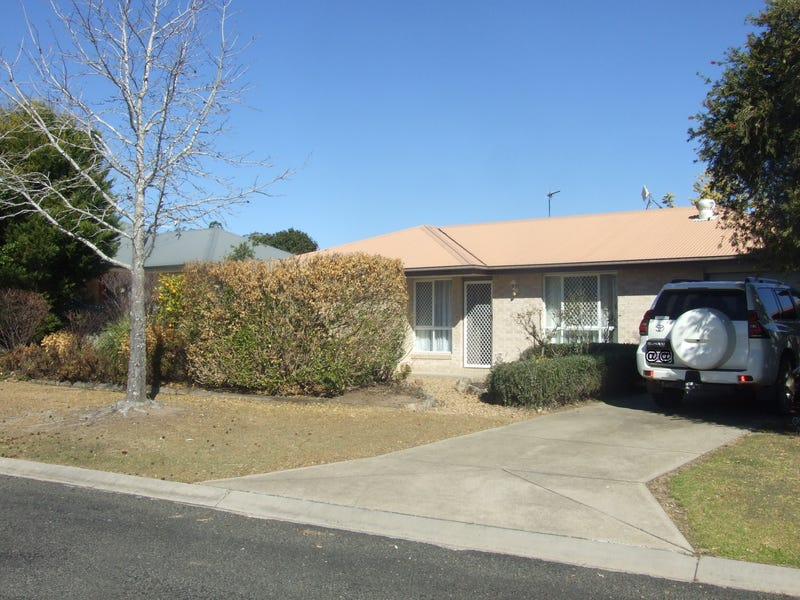 5 Lee court, Crows Nest, Qld 4355