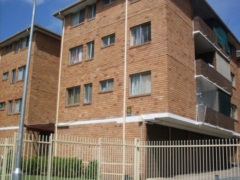 23/11 Forbes St, Warwick Farm, NSW 2170
