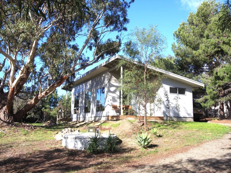 13 Lakeside Avenue, Clayton Bay, SA 5256
