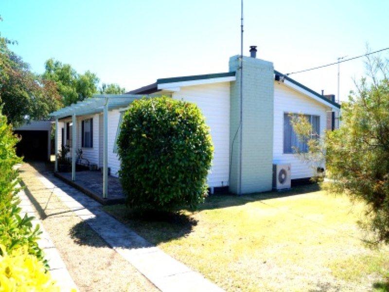 26 Mclean Street Maffra Vic 3860 Property Details