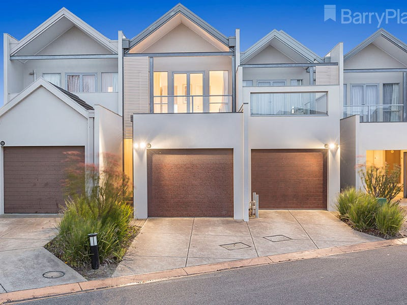 12/9 Greg Norman Drive, Sanctuary Lakes