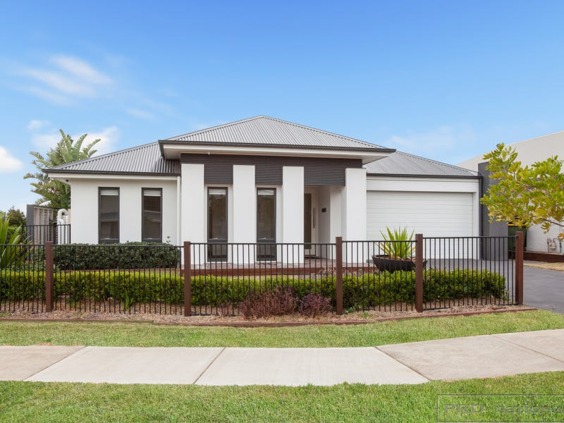 1 Grand Parade, Rutherford, NSW 2320