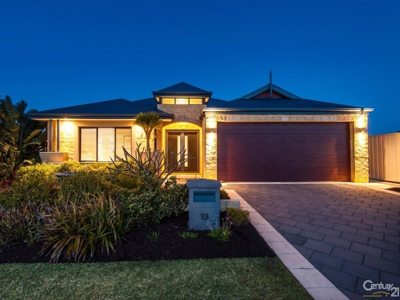 13 Currancy Lass Rise, Madora Bay, WA 6210