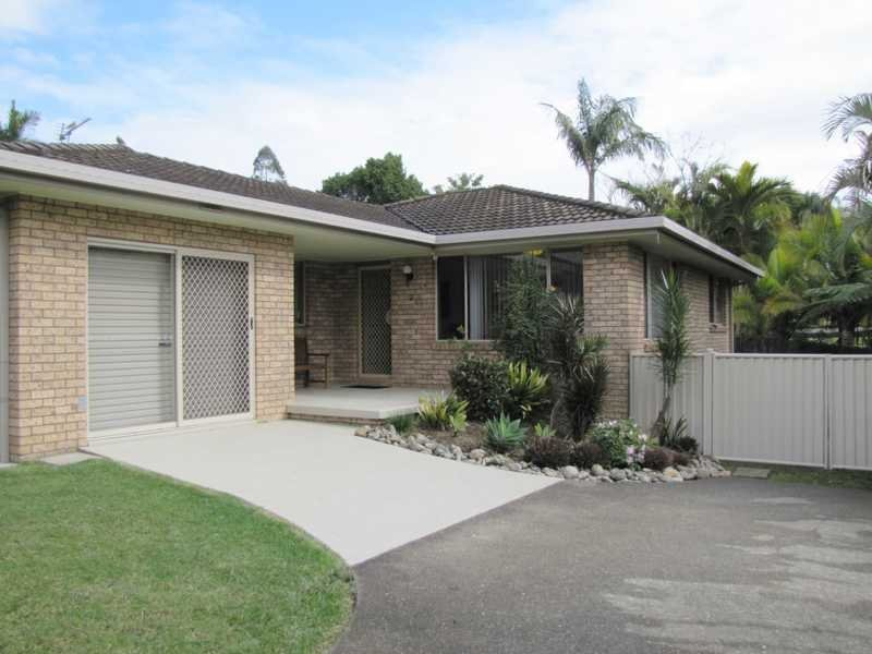 2/22 Seabreeze Place, Boambee East, NSW 2452