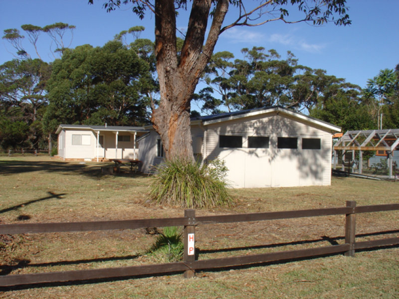 14 Oak Avenue, Lake Tabourie, NSW 2539