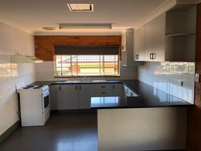 2/5 Hume Place, Tumut, NSW 2720