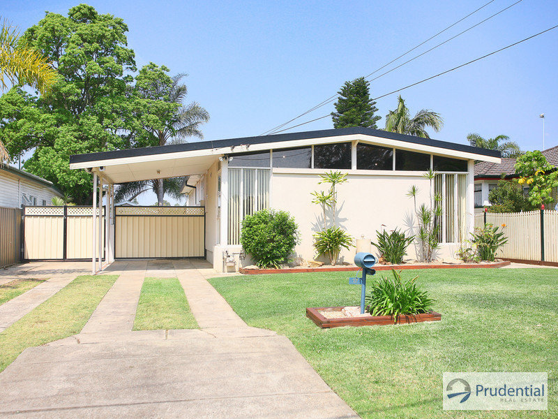 17 Weir Cr, Lurnea, NSW 2170