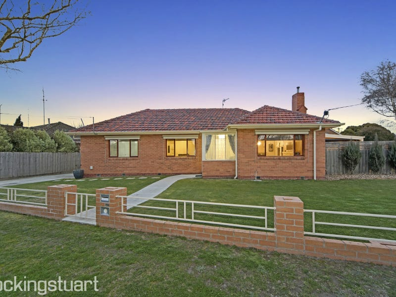 21 Muir Crescent, Newington, Vic 3350
