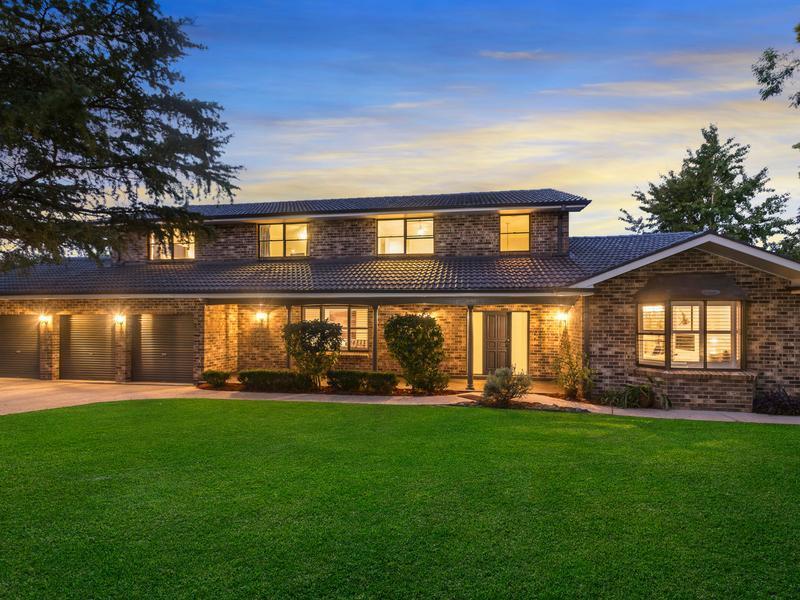12 Duff Place, Castle Hill, NSW 2154