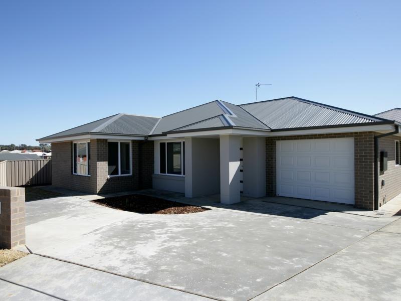 1/12 Murndal Pl, Bourkelands, NSW 2650